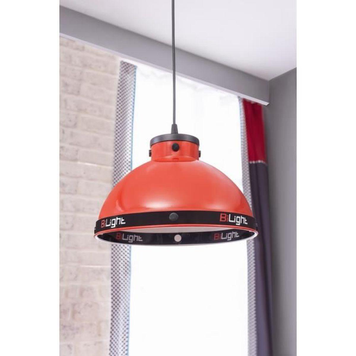 Chambre rouge fashion designs for Lampe de plafond pour chambre