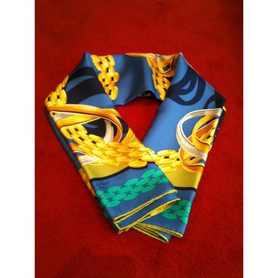 1d29fc73ff0 Foulard Must de Cartier Trinity Bleu - Achat   Vente echarpe - foulard  2009981645321 - Cdiscount