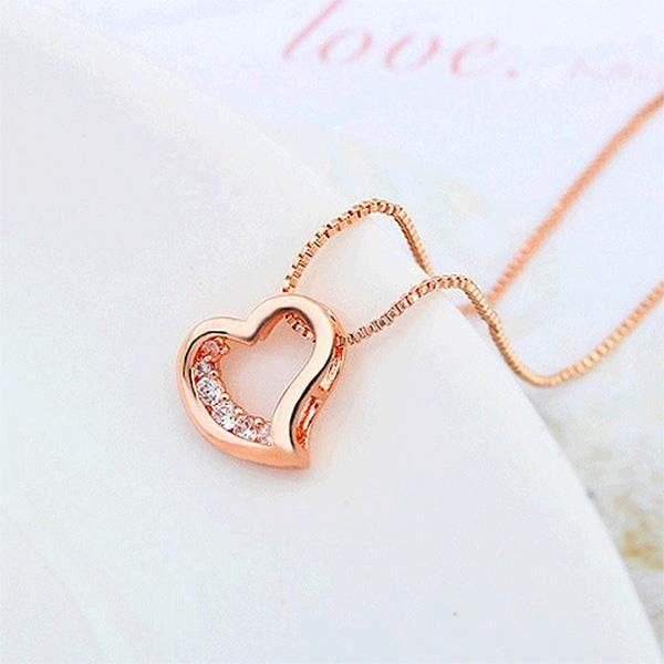 Glamorousky Pendentif coeur Saint Valentin avec zircon cubique blanc et collier (24527)