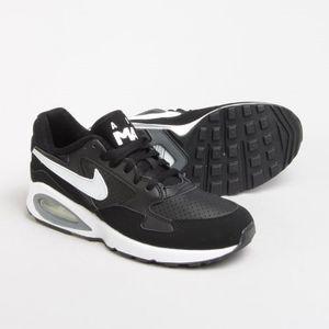 BASKET Baskets Nike Air Max ST Noir et Blanche. 654288-00