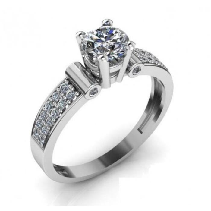 Bague solitaireen or 18 carats (750‰) avec zircons.Votre bijou sera livré dans son écrin, accompagné de son certificat