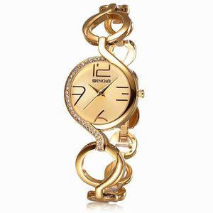 18b79242f0b48 Montre - 2,016 Nouveau Mode Montre Femme Marque de Luxe élégantes creux  Bracelet Strass montres à quartz Meilleur qualité