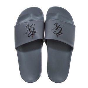 SANDALE - NU-PIEDS Claquette Gym King GK pour homme en gris et noir 2c2159b82a67