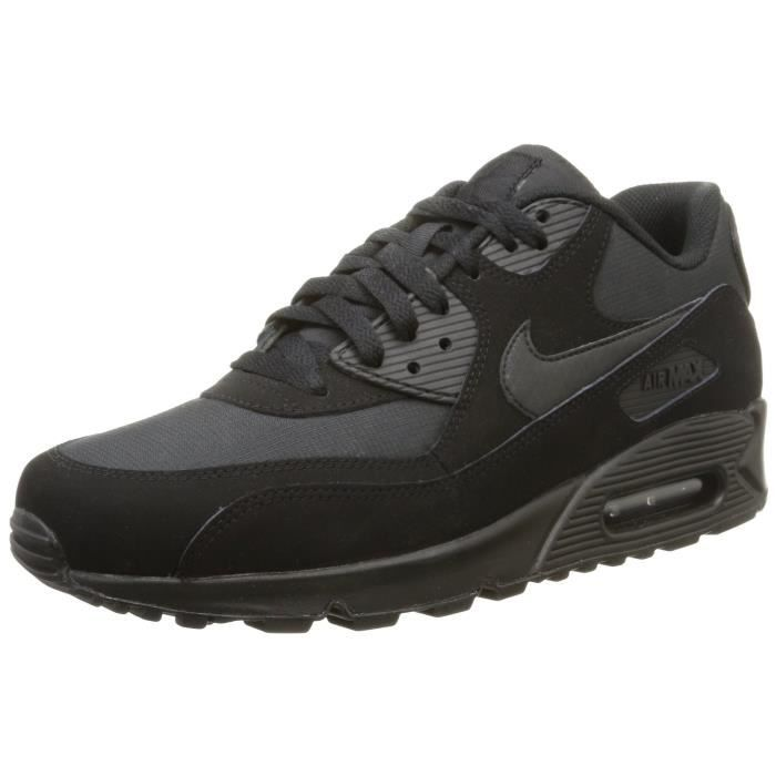 9b6d545f7035 Baskets Nike Air Max 90 Essential Homme, Chaussures de sport Noir ...