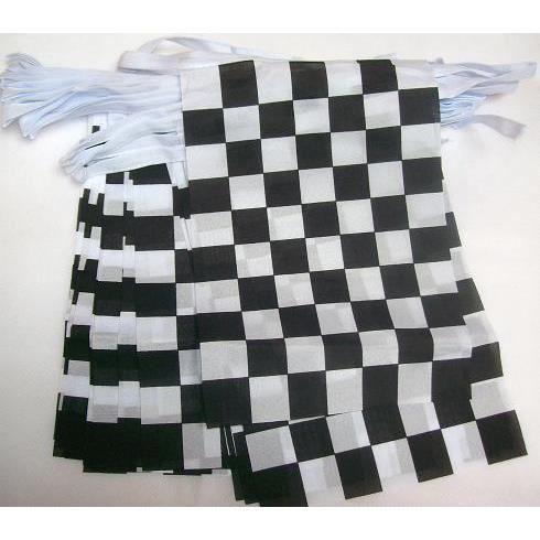 guirlande 20 drapeaux damier noir et blanc 21x15cm achat vente drapeau d coratif polyester. Black Bedroom Furniture Sets. Home Design Ideas