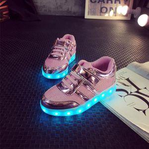 84e04273687 Basket d Enfant Chaussures de Sport LED Lumineux USB Rechargeable Jolie  Couleur PU Brillant avec