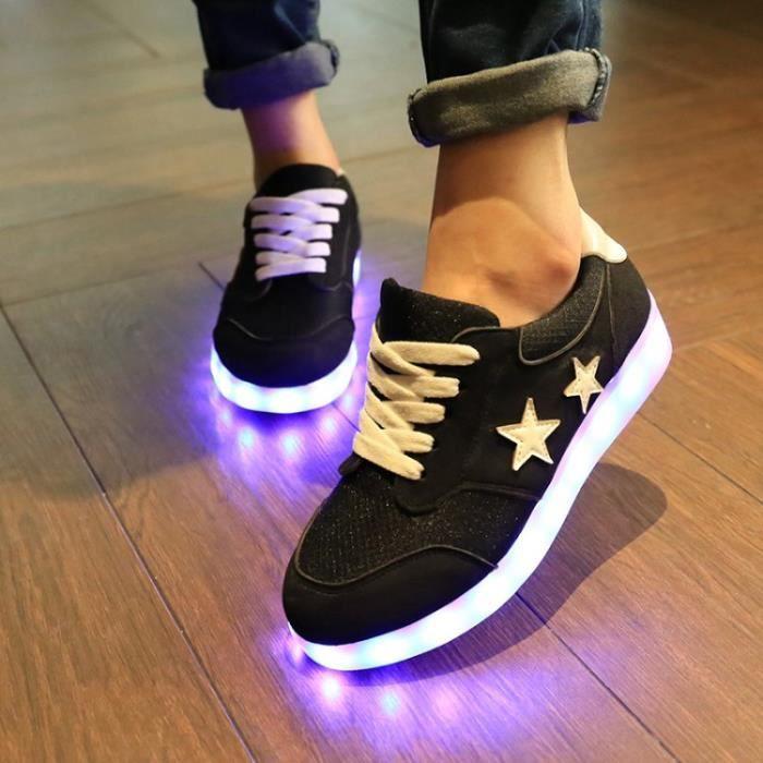 En couple lumineux de charge USB color es LED f...