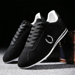 Sneaker Hommes Confortable Nouvelle Haut qualité Chaussure Mode Couleur unie Noir Gris Super Sneakers Classique Doux Respirant 39-44 Noir Noir - Achat / Vente basket  - Soldes* dès le 27 juin ! Cdiscount