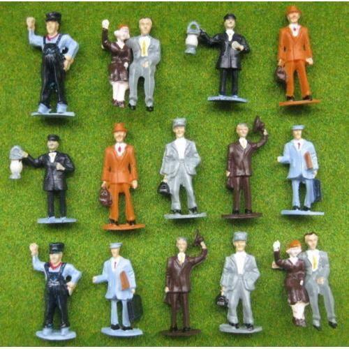 p4301 16 figurines chelle o 1 43 nouveau achat vente accessoire maquette cdiscount. Black Bedroom Furniture Sets. Home Design Ideas