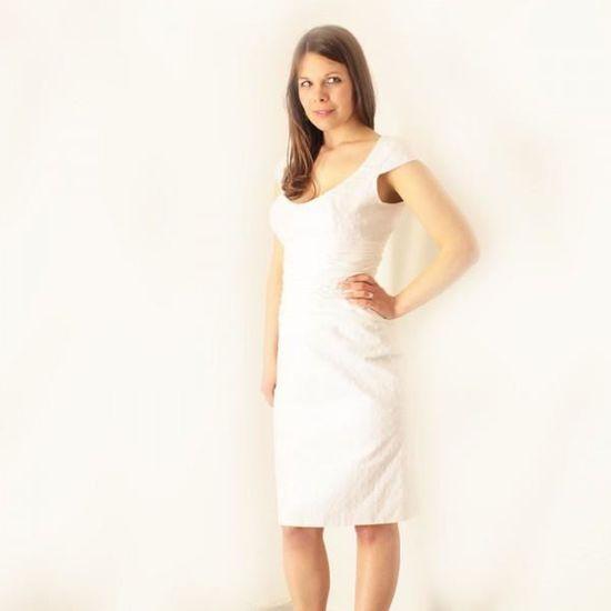 2aa8e741bd149 Ensemble tailleur robe + boléro coton broderie … Blanc - Achat   Vente  costume - tailleur 2009989521443 - Soldes  dès le 9 janvier ! Cdiscount