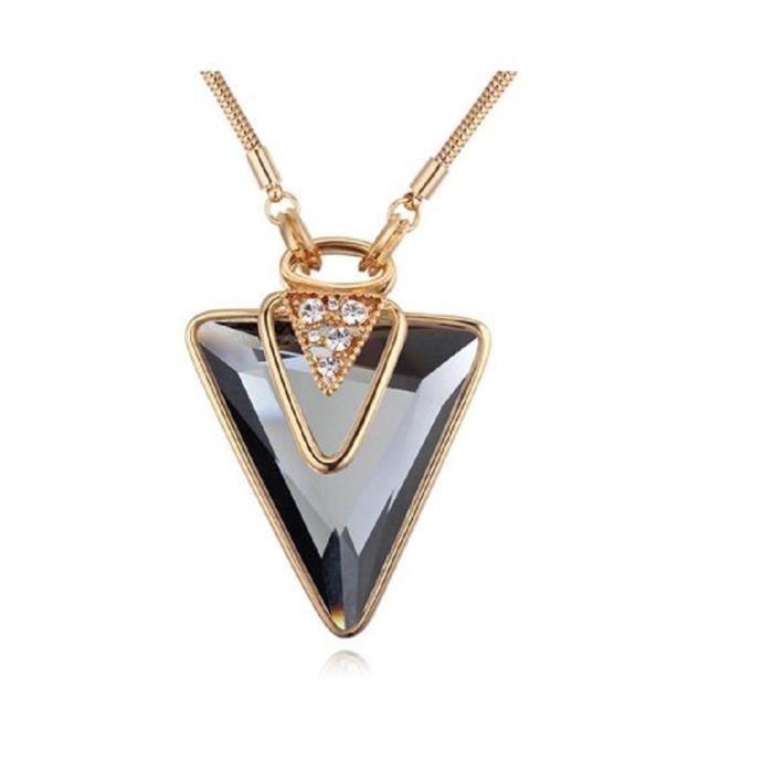 Saphira bijoux fantaisie. Pendentif avec chaine doré. Collier triangle en verre gris. Cristal blanc autrichien Swarovski éléments