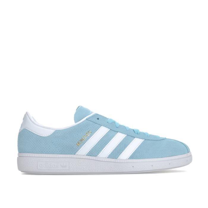 Basket adidas bleu clair
