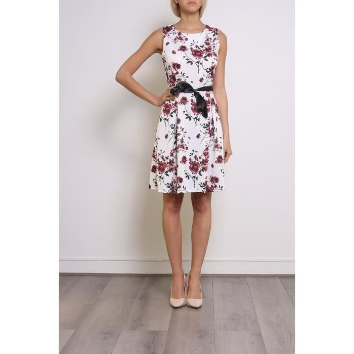 Robe blanche a fleurs rouge