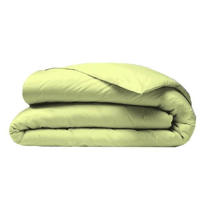 Matière : microfibre 100% polyester 82 gsm - Fermeture par boutons pressions - Dimensions : 200x200 cm - Coloris : vert anisHOUSSE DE COUETTE