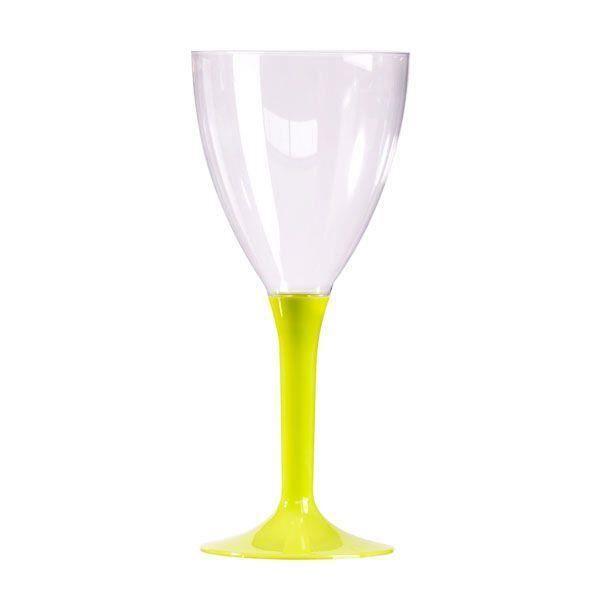 verre en plastique a pied