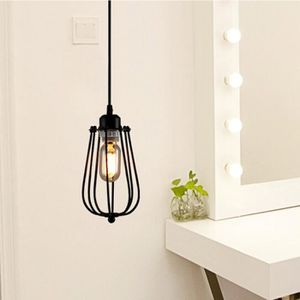 Re Et Suspension Rétro Vintage Lampe En Fer Avec La Forme Pa