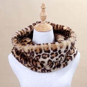 d05b3589818 Mode Femmes Hommes écharpe de léopard en fausse fourrure du cou Gardez  Foulards chaud Cadeaux d hiver move6859