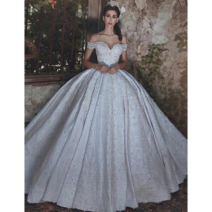 Robe De Mariee Classique Arabe Princesse Longue Hors De L Epaule Lacet Dentelle Brodee De Motif Fleuri Et Cristal 32 56 Blanc
