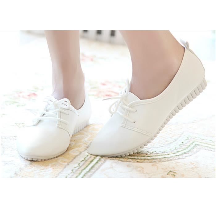 Chaussures plates chaussures blanc Avec des cha... 2TUp7Y8IWr