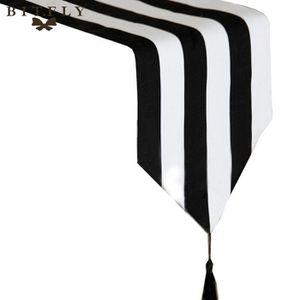 chemin de table blanc et noir achat vente chemin de. Black Bedroom Furniture Sets. Home Design Ideas
