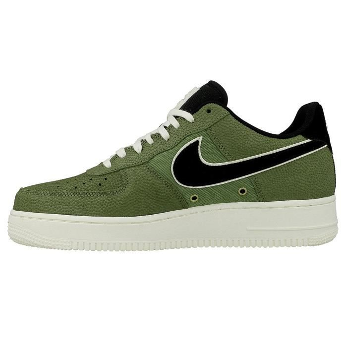 Chaussures Nike Air Force 1 07 LV8