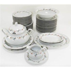 Service Complet De Table Vaise En Porcelaine Bavier