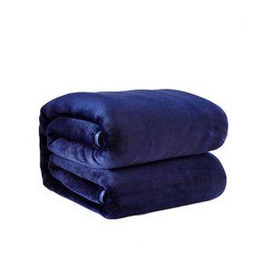 plaid polaire bleu marine achat vente pas cher. Black Bedroom Furniture Sets. Home Design Ideas