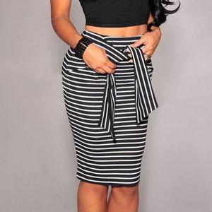 JUPE SIMPVALE jupe loisirs rayé noir et blanc lâche pop d5183d8f9e8