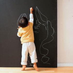 OBJET DÉCORATION MURALE Sticker mural Tableau noir avec 5 craies 200 x 45