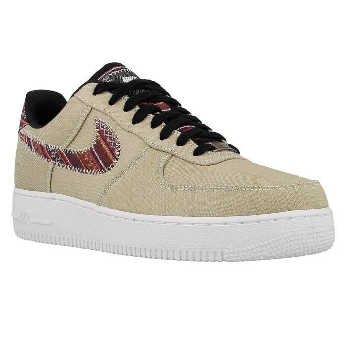 Nike Air Force 1 LV8 NBA noire et blanche Chaussures