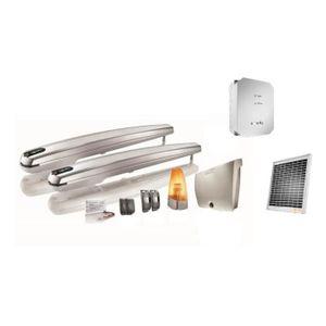 SOMFY Kit de motorisation de portail ? vérin Exavia 500 pour portail battant 5mx500kg maxi avec son kit d'alimentation solaire