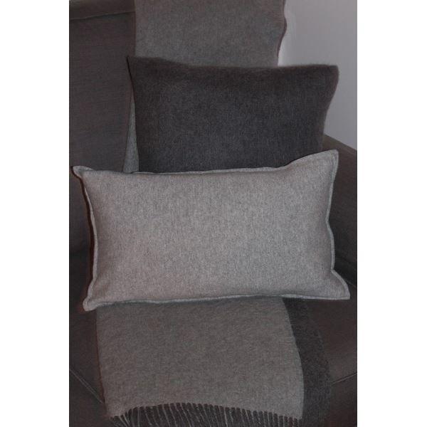housse de coussin gris claire 50x30 100 cachemire achat vente coussin cdiscount. Black Bedroom Furniture Sets. Home Design Ideas