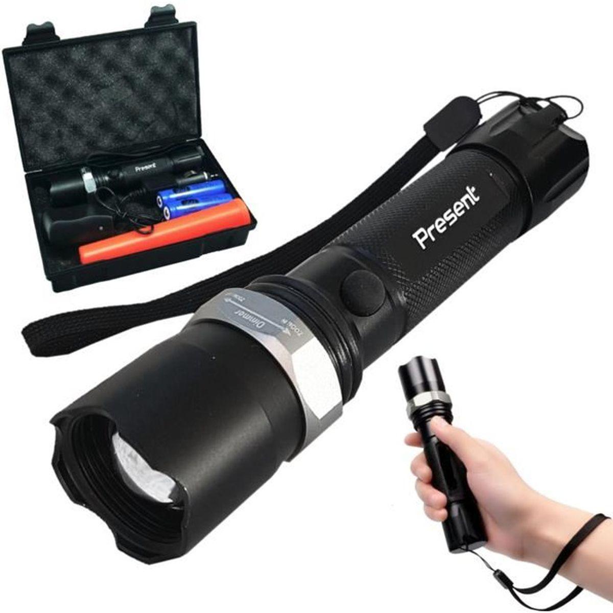 le torche rechargeable à led puissante d une portée de plus de