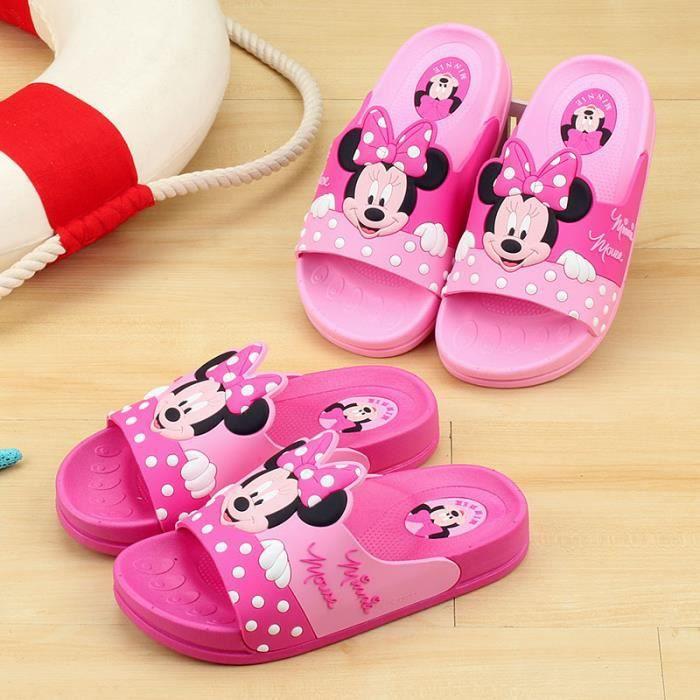 Enfants chaussures maison salle de bain intérie...