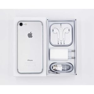 SMARTPHONE iPhone 7 32 Go - Argenté + 1 Film de protection en