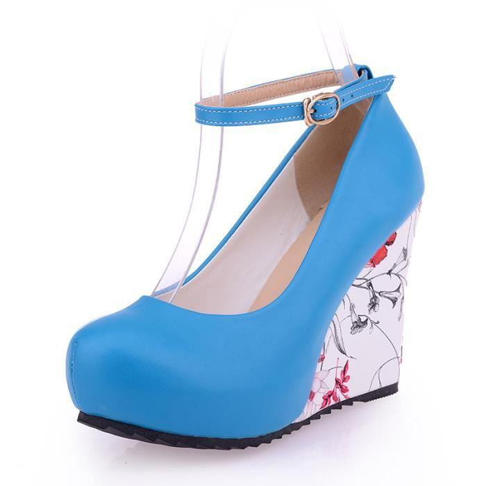 Nouveau modèle de couleur de chaussures pour femmes avec une pente avec des talons super hauts