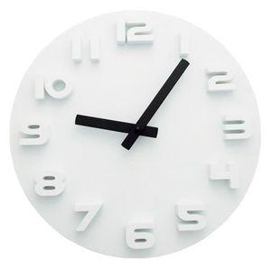 Horloge murale chiffre couleur achat vente horloge murale chiffre couleur pas cher soldes for Pendule blanche design