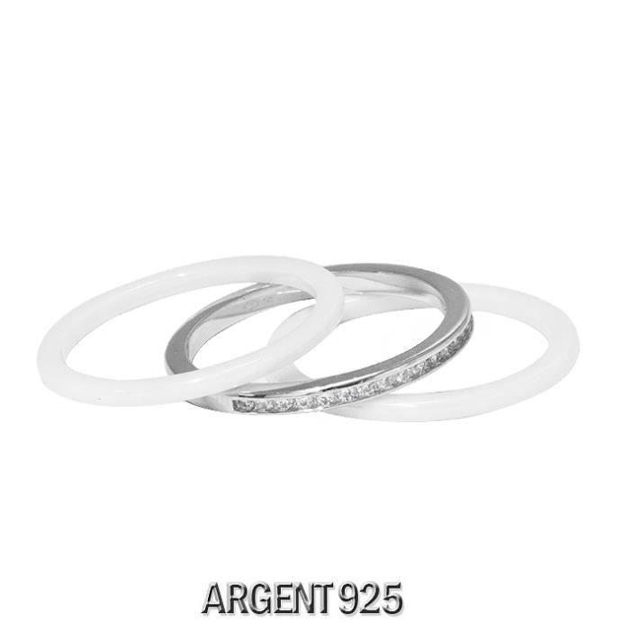 Bague se compose de trois anneaux en Céramique Blanche