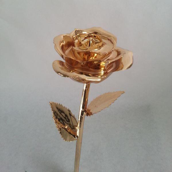 rose eternelle plaqu e or 24k couleur or achat vente fleurs stabilis es cdiscount. Black Bedroom Furniture Sets. Home Design Ideas