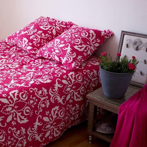boutis couvre lit eleonore framboise 250 x 270 cm achat vente jet e de lit boutis soldes. Black Bedroom Furniture Sets. Home Design Ideas