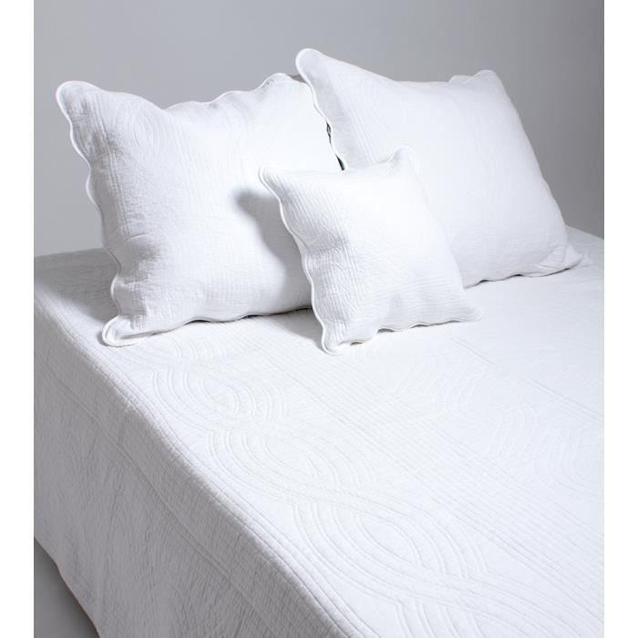 couvre lit blanc coton Couvre lit boutis 1 place Paris blanc optique   Achat / Vente  couvre lit blanc coton