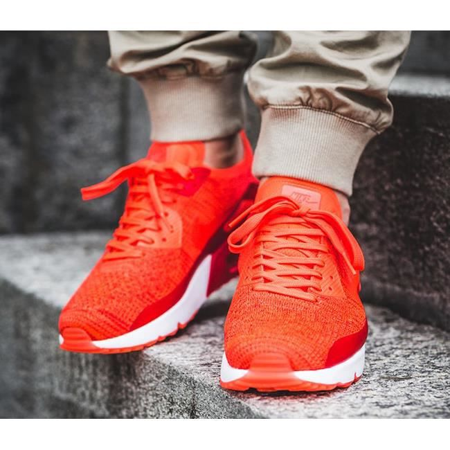 Baskets Nike Air Max 90 Ultra 2.0 Flyknit, Modèle 875943 600 Rouge.