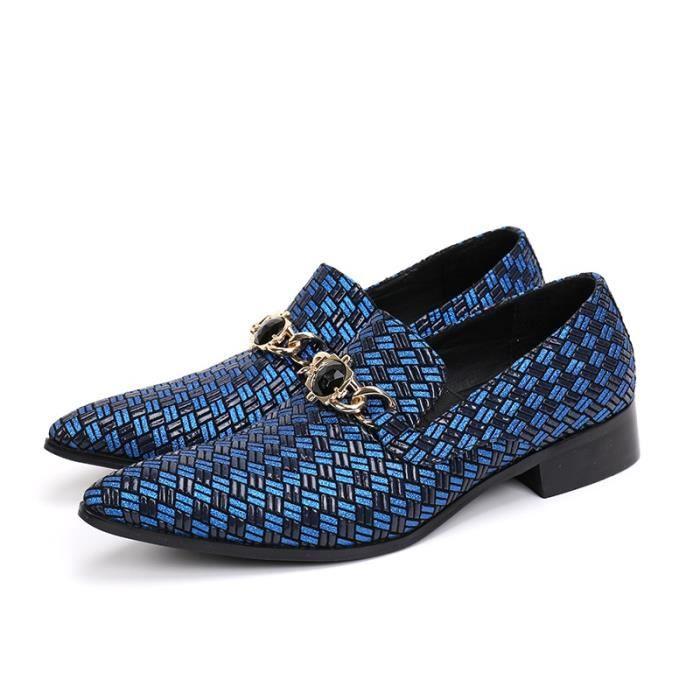 2017 Luxe Toe Men Pointu chausseurs Chaînes de mariage Hommes d'affaires Chaussures Mode italienne en cuir véritable Mocassins