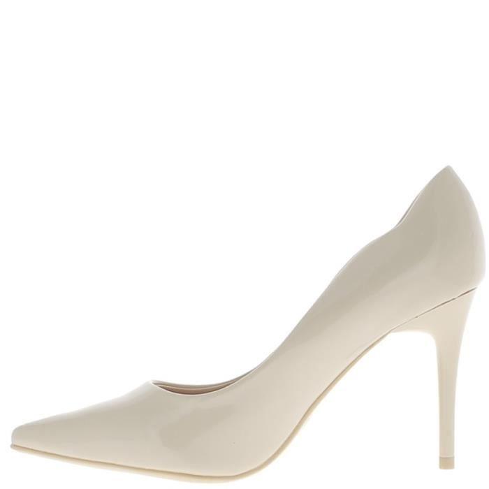 Escarpins femme beiges vernis talon aiguille de 9 cm
