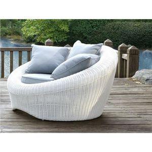 Lot de 2 fauteuils de jardin WHITEHEAVEN en résine tressée blanche ...