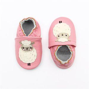 1d0c7eb2258f2 CHAUSSON - PANTOUFLE Chaussons bébé et enfant en cuir souple Chaussures