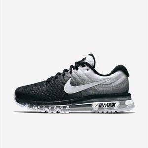 9edfc15d08a Basket Nike Air Max 2017 Chaussures de running Homme Noir Blanc noir ...