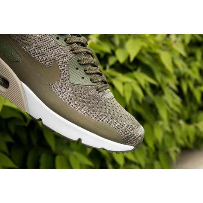 Baskets Nike Air Max 90 ULTRA 2.0 Flyknit vert olive. 875943-200.