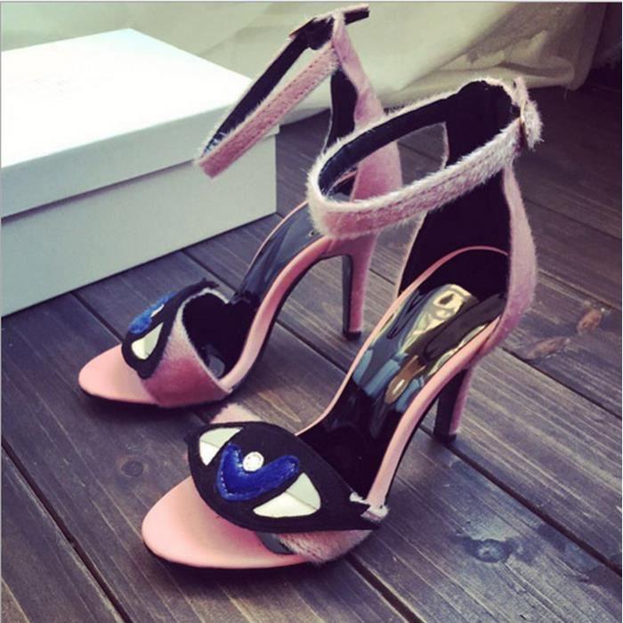 les femmes de la mode des talons hauts sandales d'été.