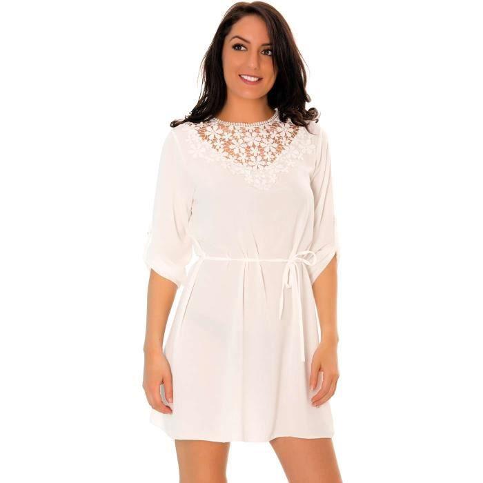 1d3de0a1cd2 ... Miss Wear Line - Petite robe blanche avec détails brodés ...